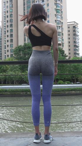 模拍漂亮的紧身瑜伽裤短发模特《一》[2.7G/MP4]