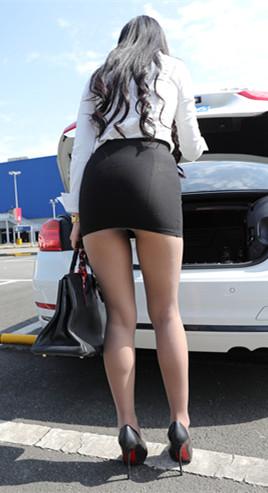 漂亮的黑色包臀裙美女高清原图(386P)[3.1GB/JPG]
