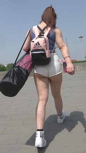 模拍丰满白色短裤月牙小姐姐(一)[3.18G/MP4]