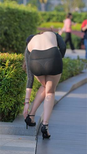 一、黑色露背连体包臀裙高清原图(398P)[9.89G/JPG]