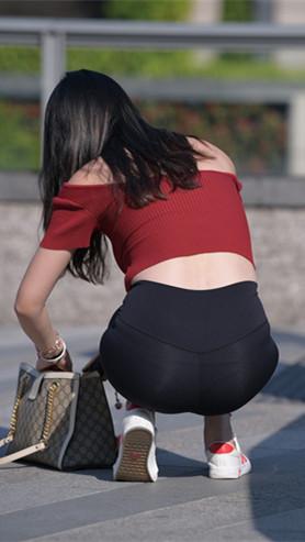二、黑色紧身裤小姐姐高清原图(297P)[5.94G/JPG]