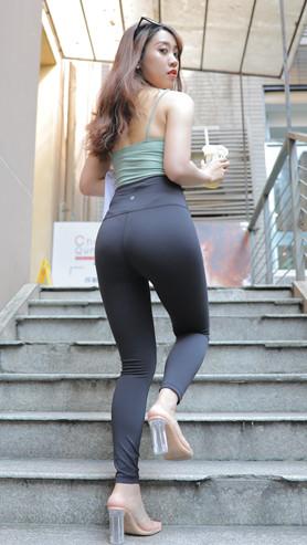 (视频一)黑色瑜伽裤女孩[7.34G/MP4]