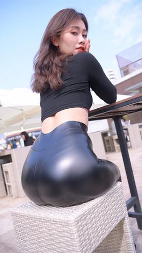 (套图二)性感皮裤美女(521P)[10.65G/JPG]
