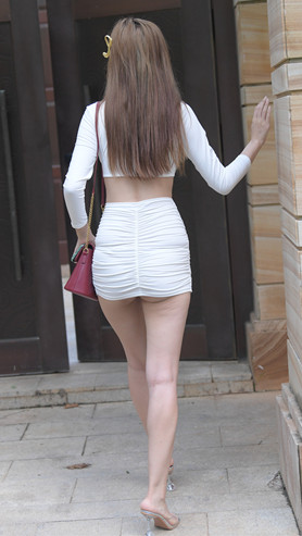 (套图)性感白裙美女(365P)[8.12G/JPG]