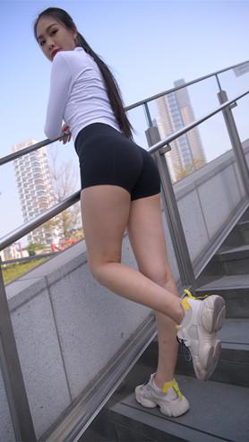 (视频)黑色紧身短裤美女[8.38G/MP4]