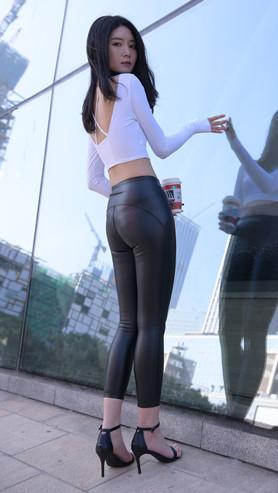 (视频)黑色皮裤小姐姐[8.79G/MP4]