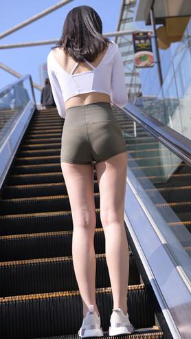 (套图)紧身高腰短裤小姐姐(588P)[14.64G/JPG]