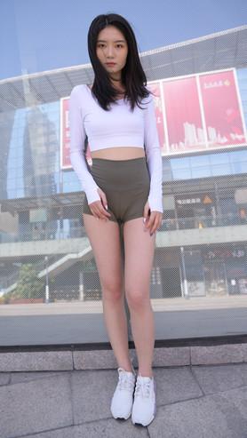 (视频)紧身高腰短裤小姐姐[11.02G/MP4]