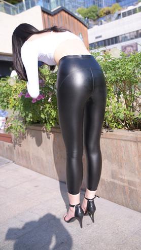 (套图)黑色皮裤小姐姐(415P)[9.58G/JPG]