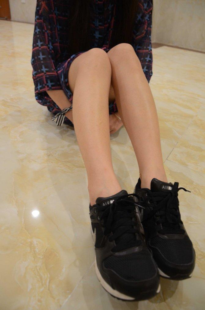 [战前女神] 恋足美腿棉袜女神级摄影套图 124 [133P-264MB]