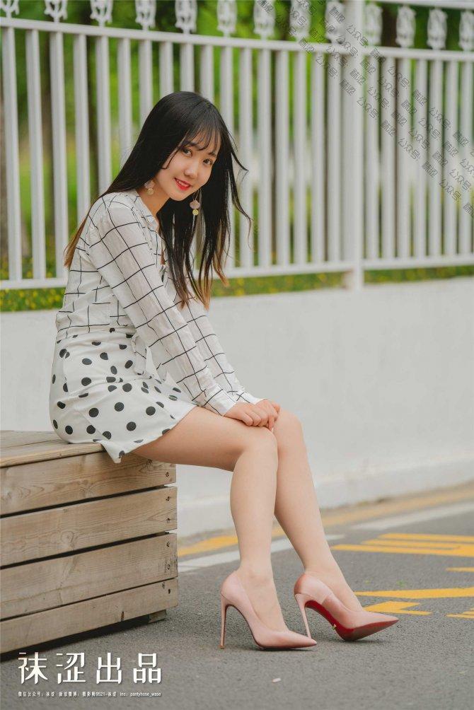 袜涩 女粉丝脸脸 超薄隐形肉丝和12cm的缎面高跟鞋[22P]