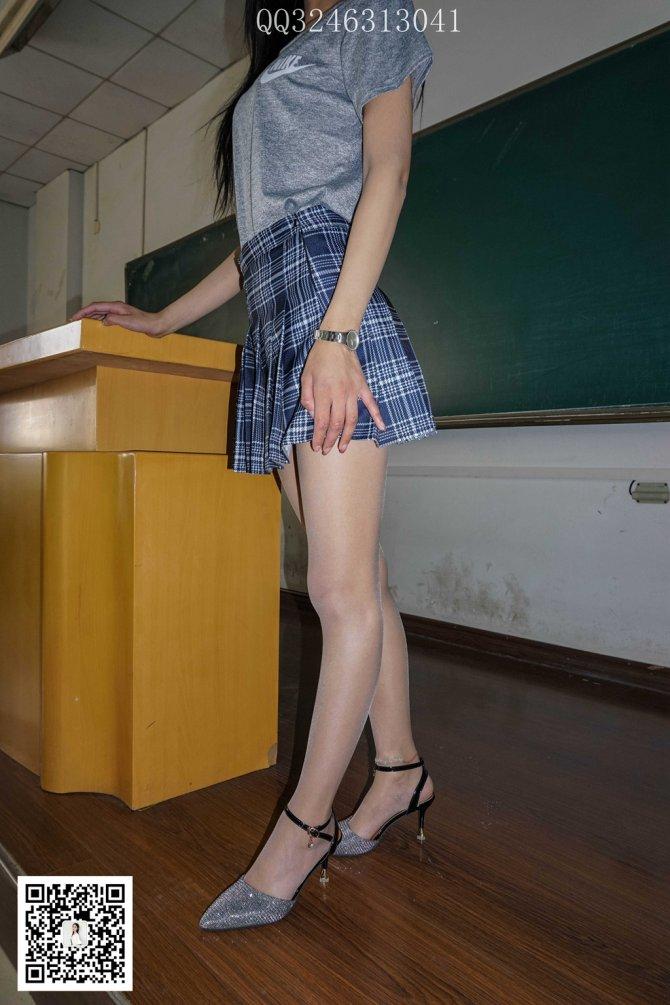 大生模拍 No.097 珊儿-模特身材妹子教室穿丝袜脱鞋 [78P1V495MB]