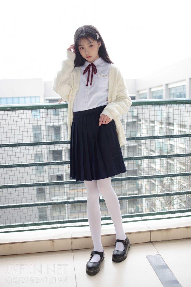 [森萝财团] 001 甜米 纯纯的白丝学妹