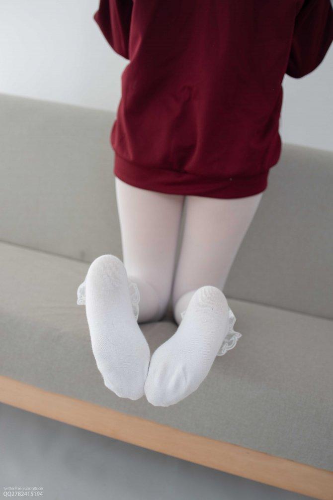 [森萝财团] 057 Aika 白丝套蕾丝花边短袜