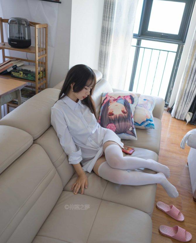 轻兰映画 SPL.013 衬衫白丝诱惑