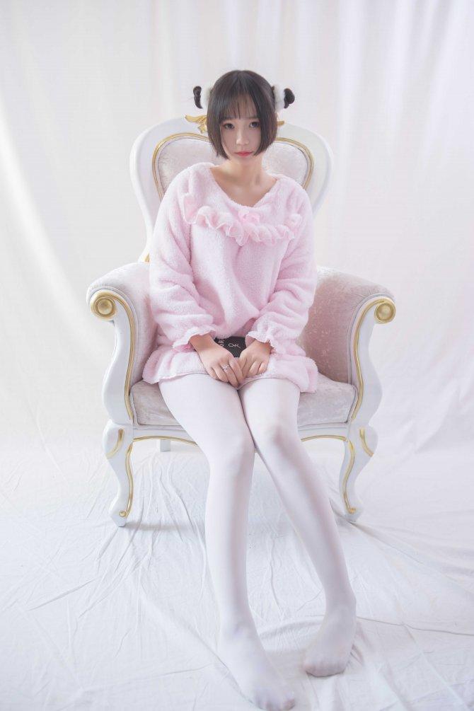 轻兰映画 VOL.017 粉红毛茸茸睡衣白丝少女