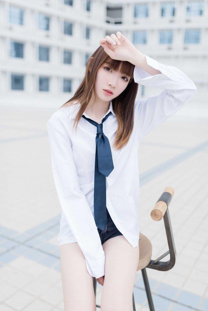祖木子-裸脚白衬衫·足控福利46P-29MB46P