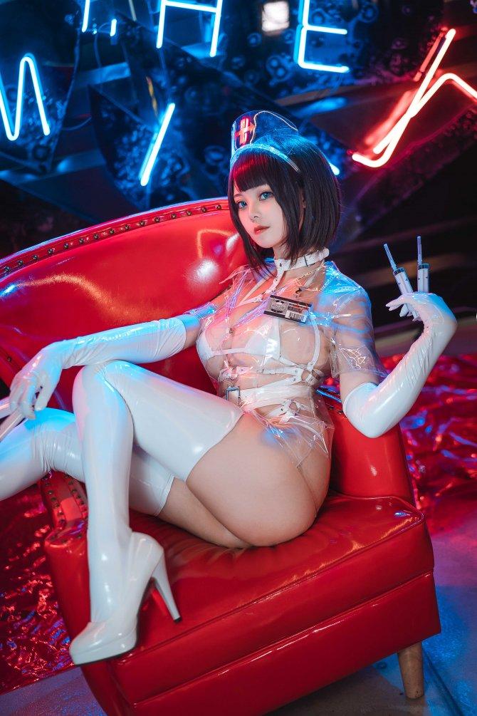 蜜汁猫裘白色透明护士52P