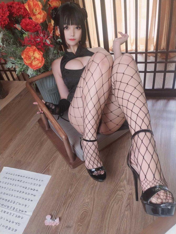 蜜汁猫裘皮衣舞娘45P
