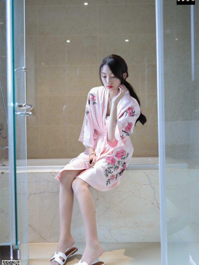 丝慕写真 SM074 天天一元 诗晴《诗晴-睡袍-浴缸》[67P55.9M]