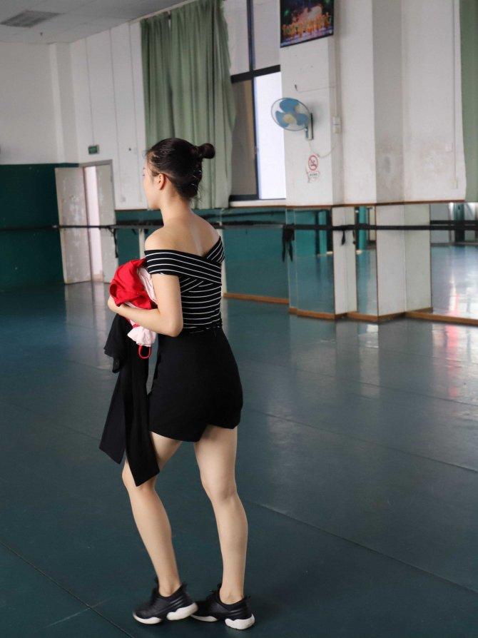 W005 红色舞蹈服 669P+3sp
