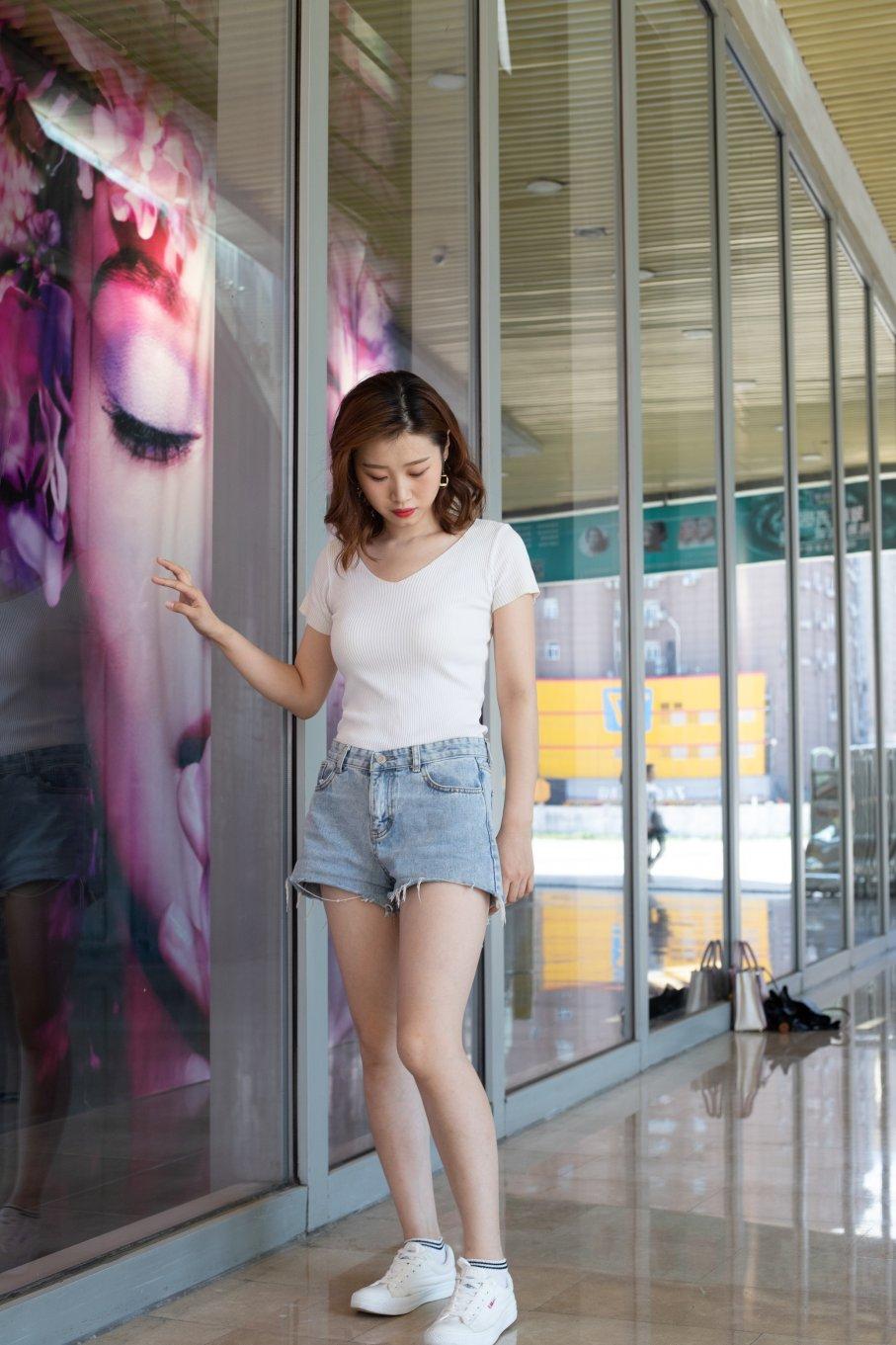 041期:乐乐-时尚小姐姐的私人穿搭(帆布鞋、棉袜、裸足)