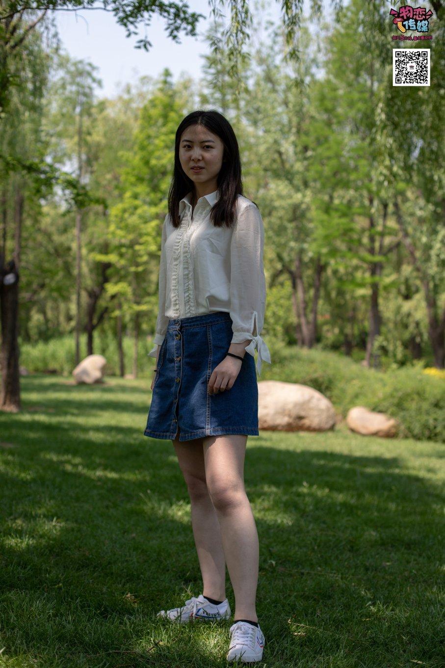 009期:小南-懵懂的大一女生(帆布鞋、棉袜、裸足)