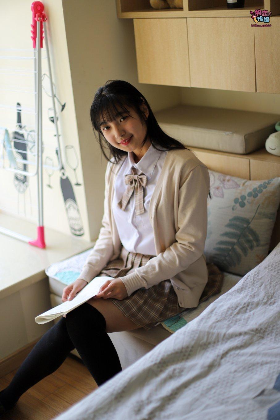 005期:秋木苏-嫩到滴水的高一女生(JK、皮鞋、棉袜、黑丝、白丝、丝袜、过膝袜、裸足)
