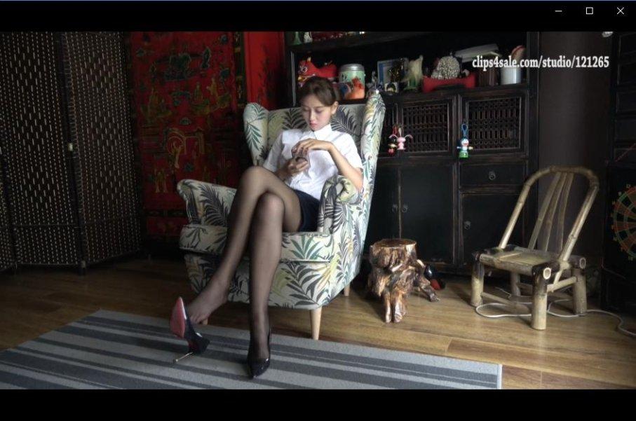 [视频] K&M 02-超美足模秀黑丝美脚高清特写镜头