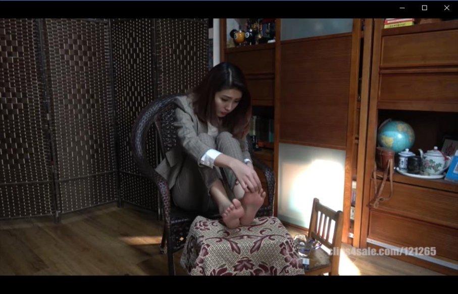 [视频] K&M 21-美女芮芮高跟凉鞋裸足