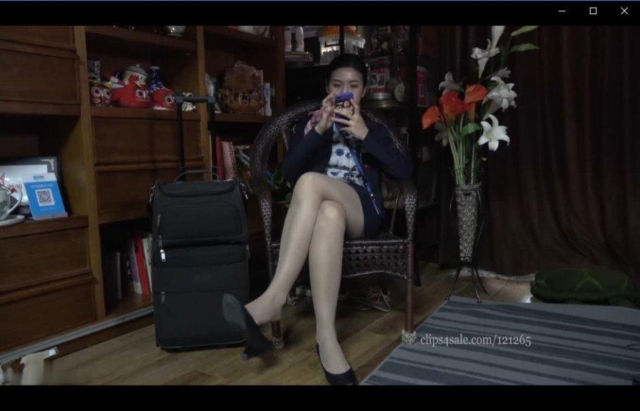 [视频] K&M 50-茜茜展示肉丝美足 第2部