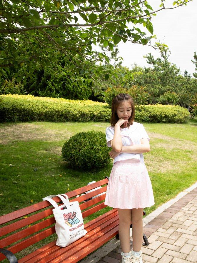 475期:婷婷-茶心(JK、板鞋、粉色水晶短袜、肉丝)
