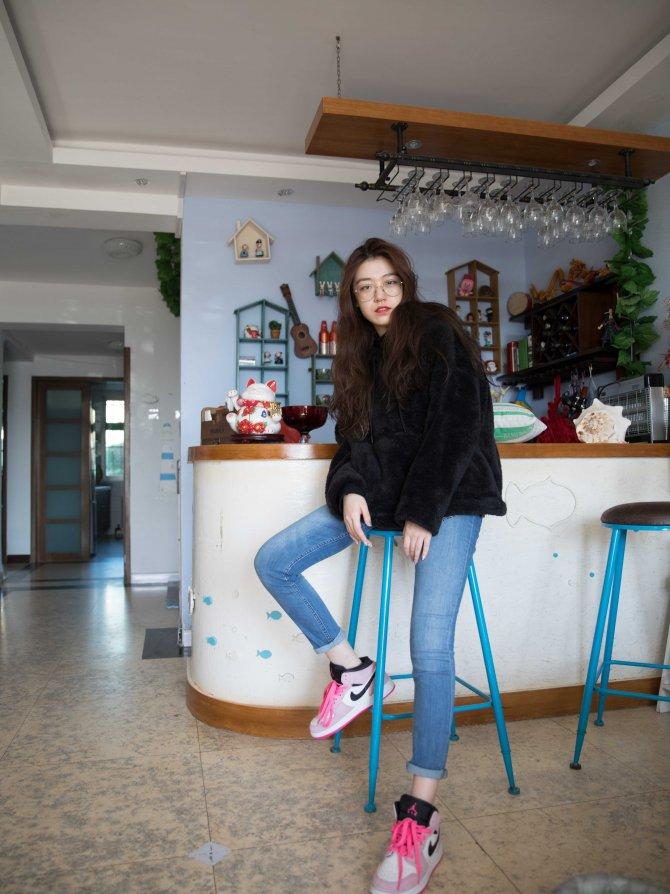 254期:佳琪-AJ运动风(AJ运动鞋、拖鞋、棉袜、船袜、裸足)