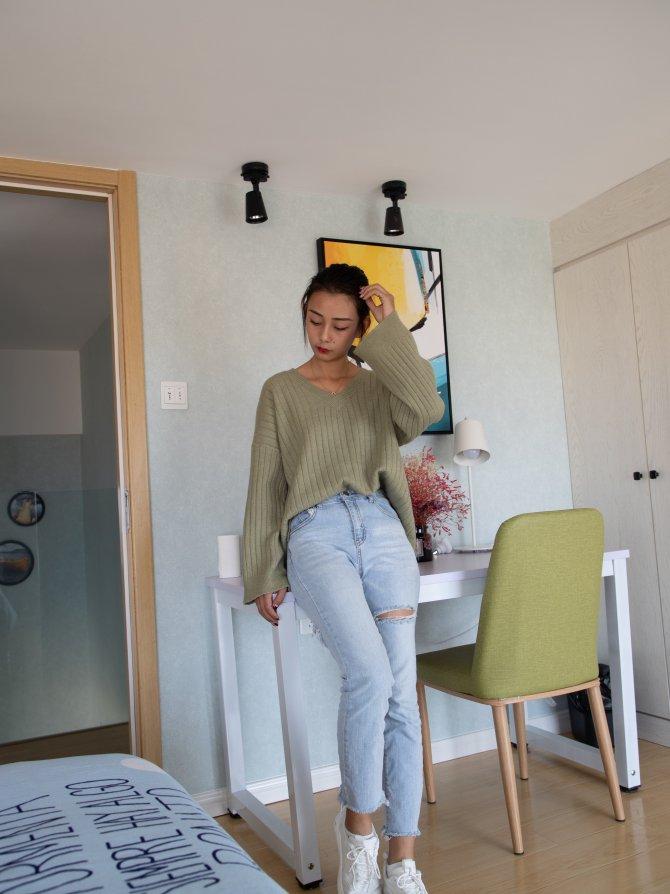 067期:岚岚-清纯纤瘦的小姐姐(运动鞋、棉袜、裸足)